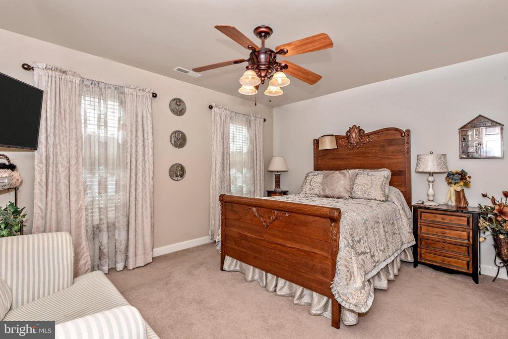 Bedroom 3 , Beautiful! - 1808 GREYSENS FERRY CT, POINT OF ROCKS