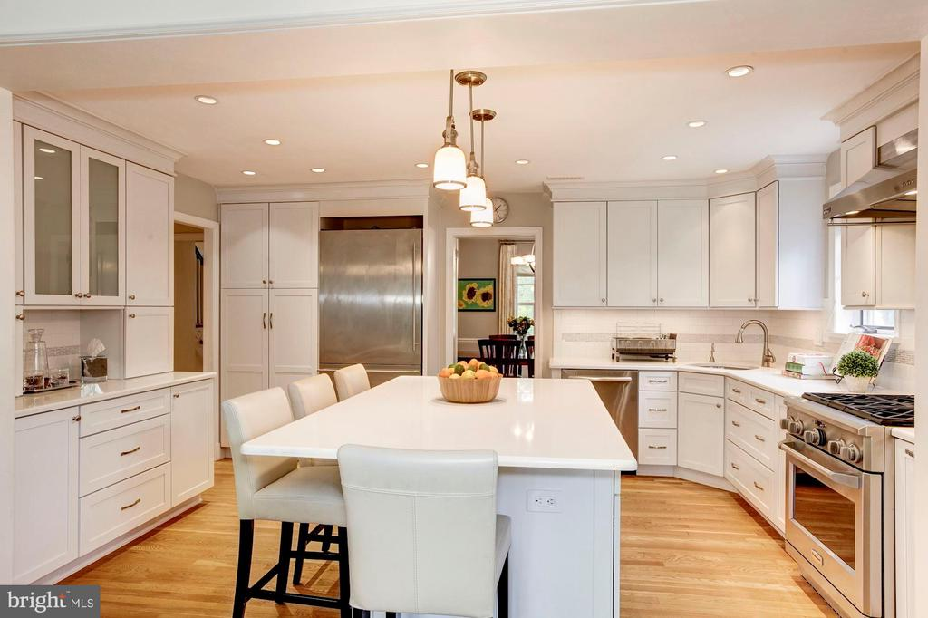 Pendant Lighting and Ample Cabinetry - 4810 ESSEX AVE, CHEVY CHASE