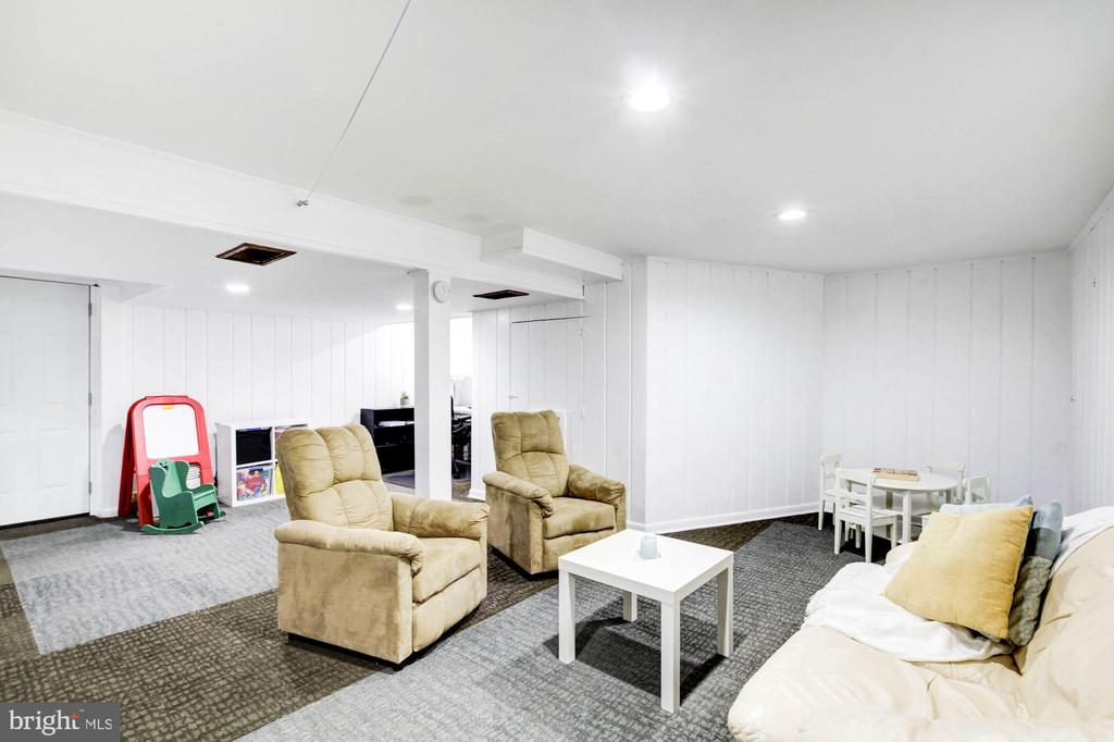 Finished basement - 3103 CREST AVE, CHEVERLY