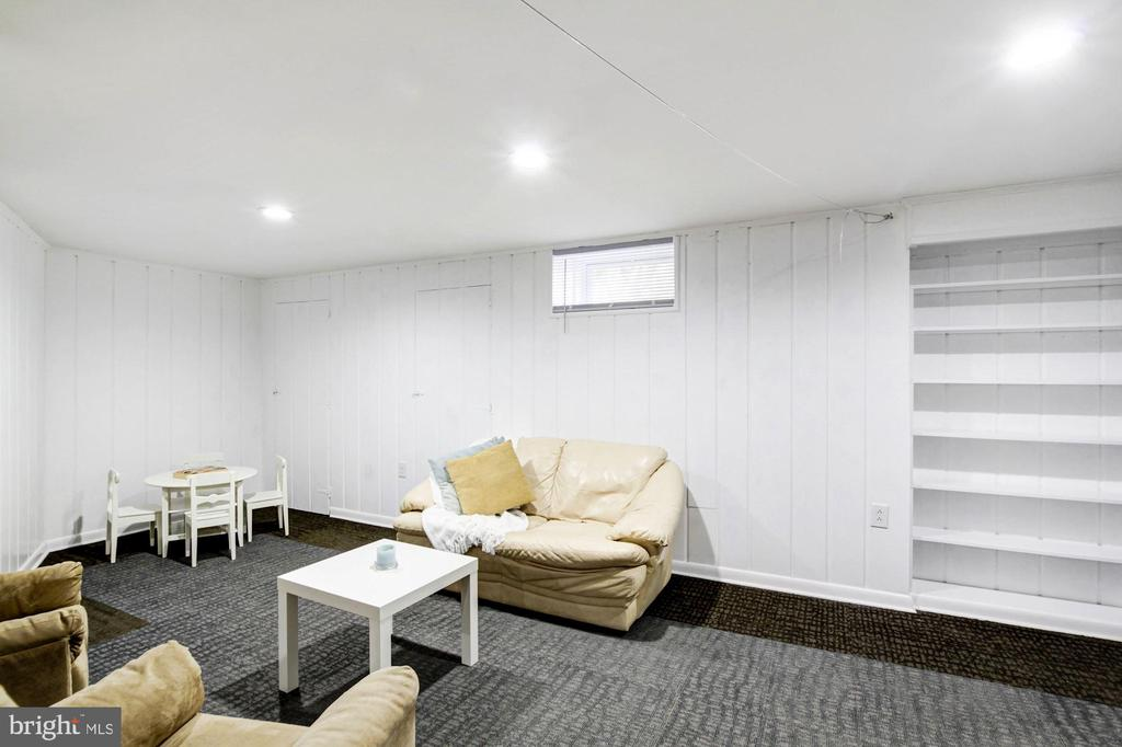 Built in storage and shelving - 3103 CREST AVE, CHEVERLY