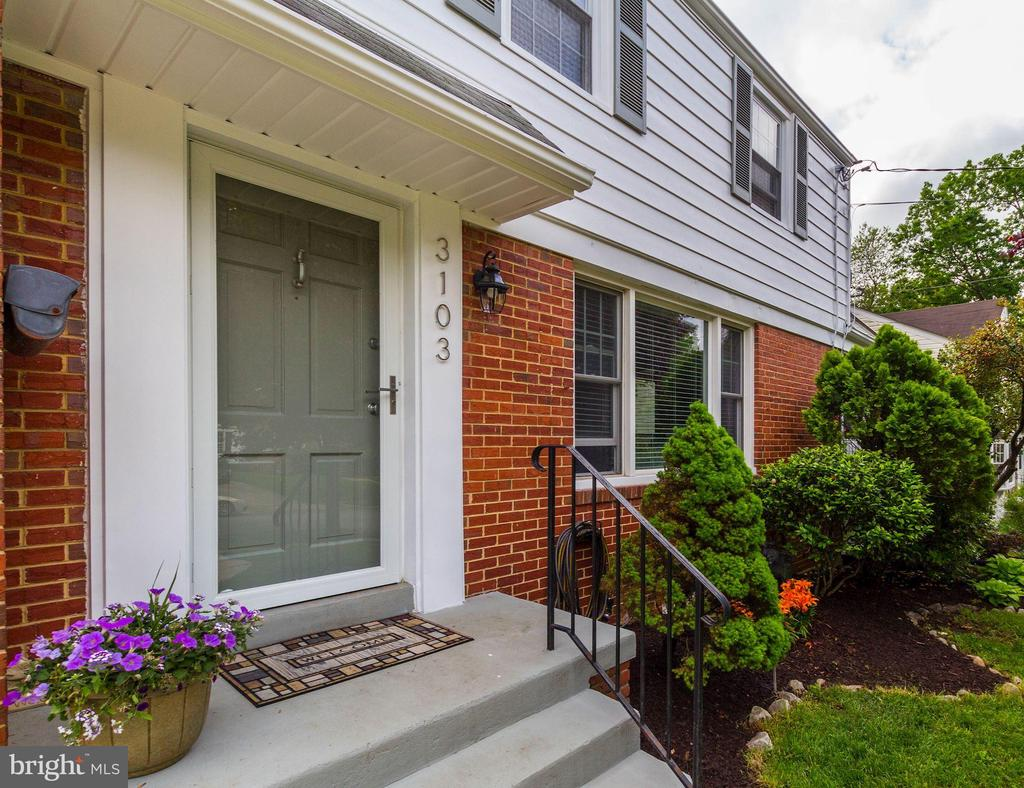 Welcome home - 3103 CREST AVE, CHEVERLY