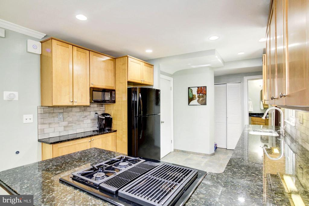Gas cooking, plenty of counter space and storage - 3103 CREST AVE, CHEVERLY