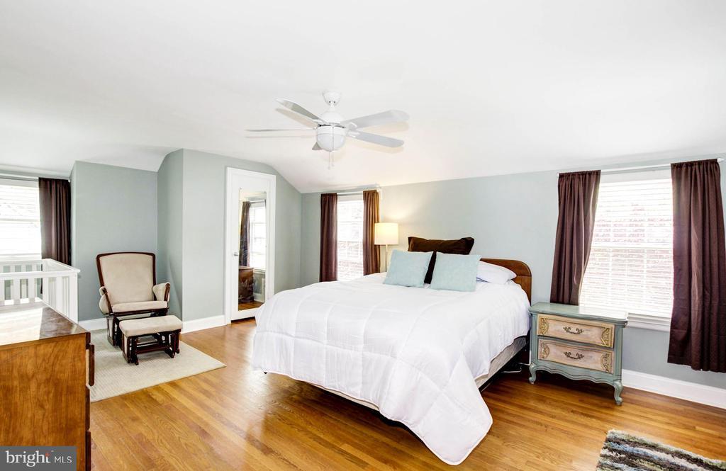 Huge master bedroom - 3103 CREST AVE, CHEVERLY