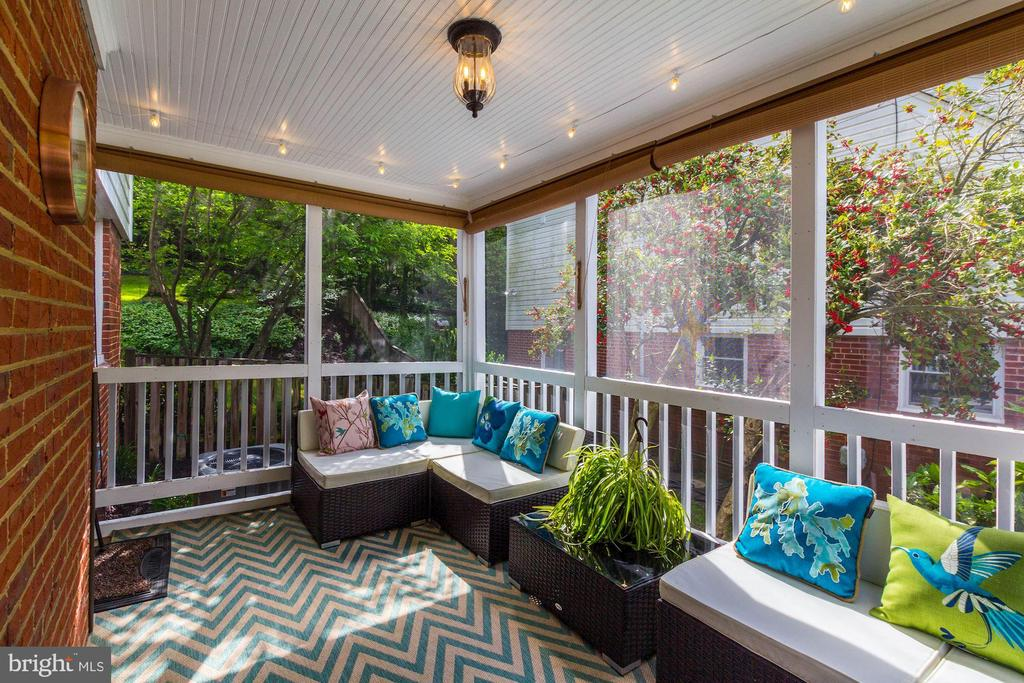 Screened in porch - 3103 CREST AVE, CHEVERLY