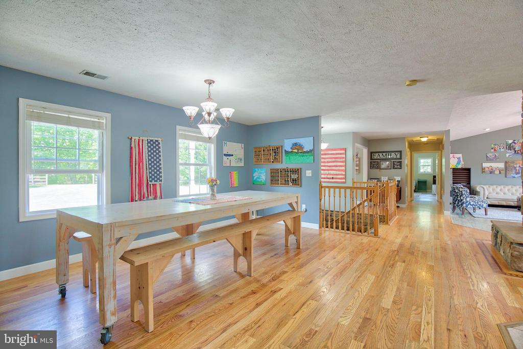 Large dining room area! - 87 LONESOME FLATS RD, FRONT ROYAL