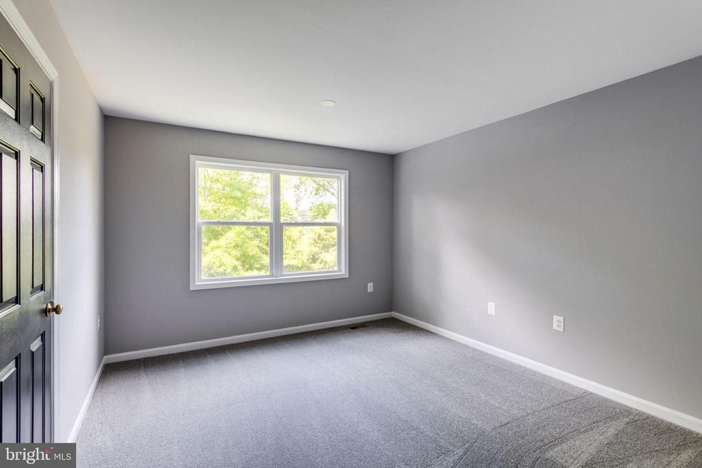 Bedroom 3 - 8741 SHADOW LAWN CT, ANNANDALE