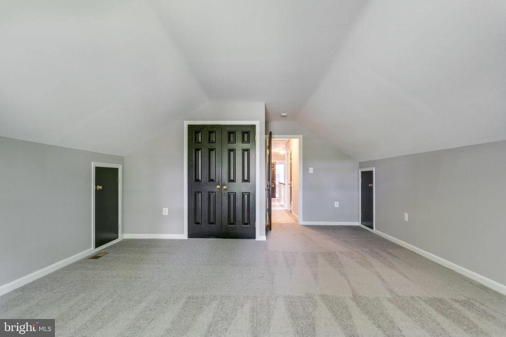 Loft Bedroom - 8741 SHADOW LAWN CT, ANNANDALE