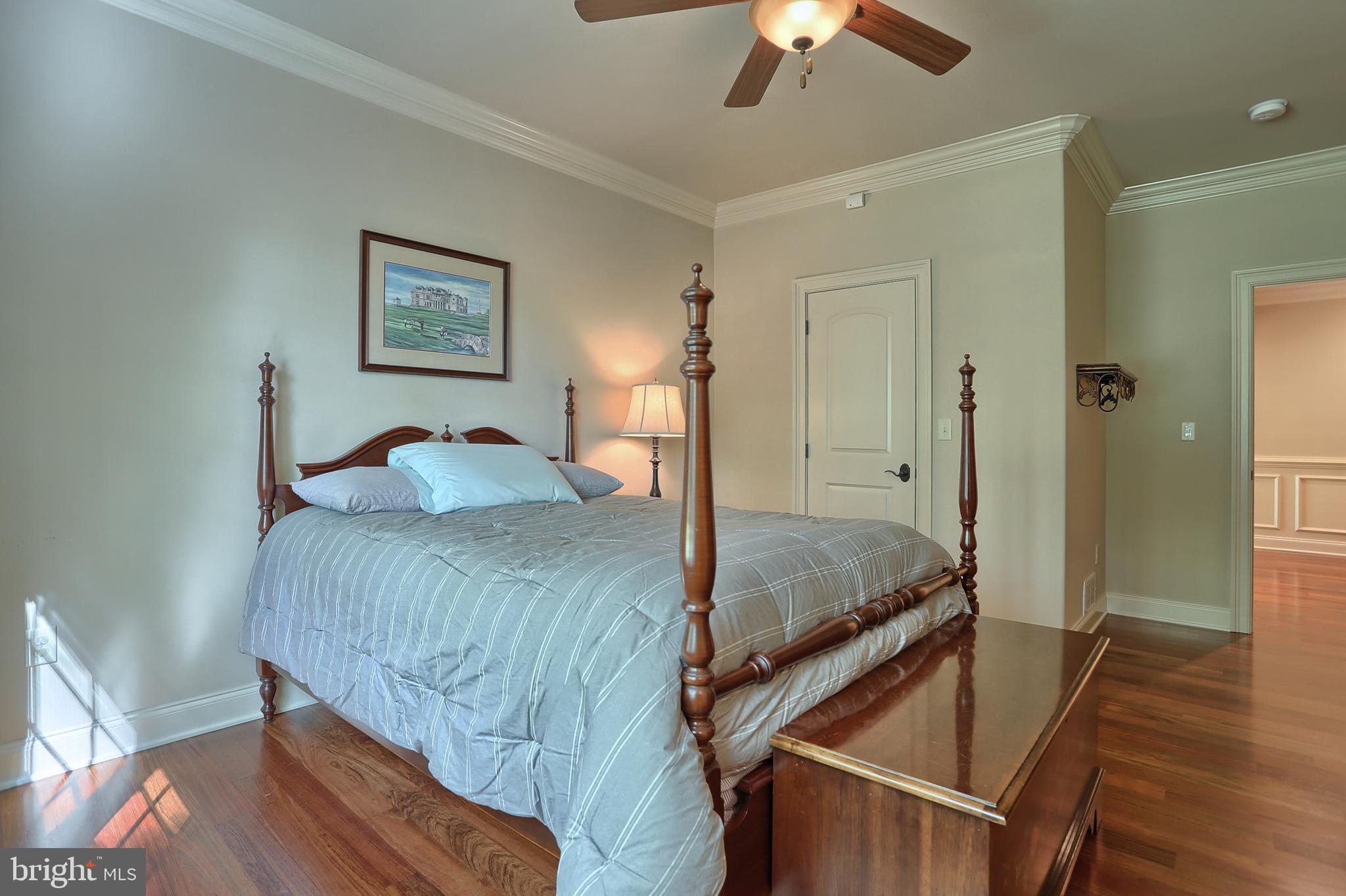 3rd bedroom (13x18) on main