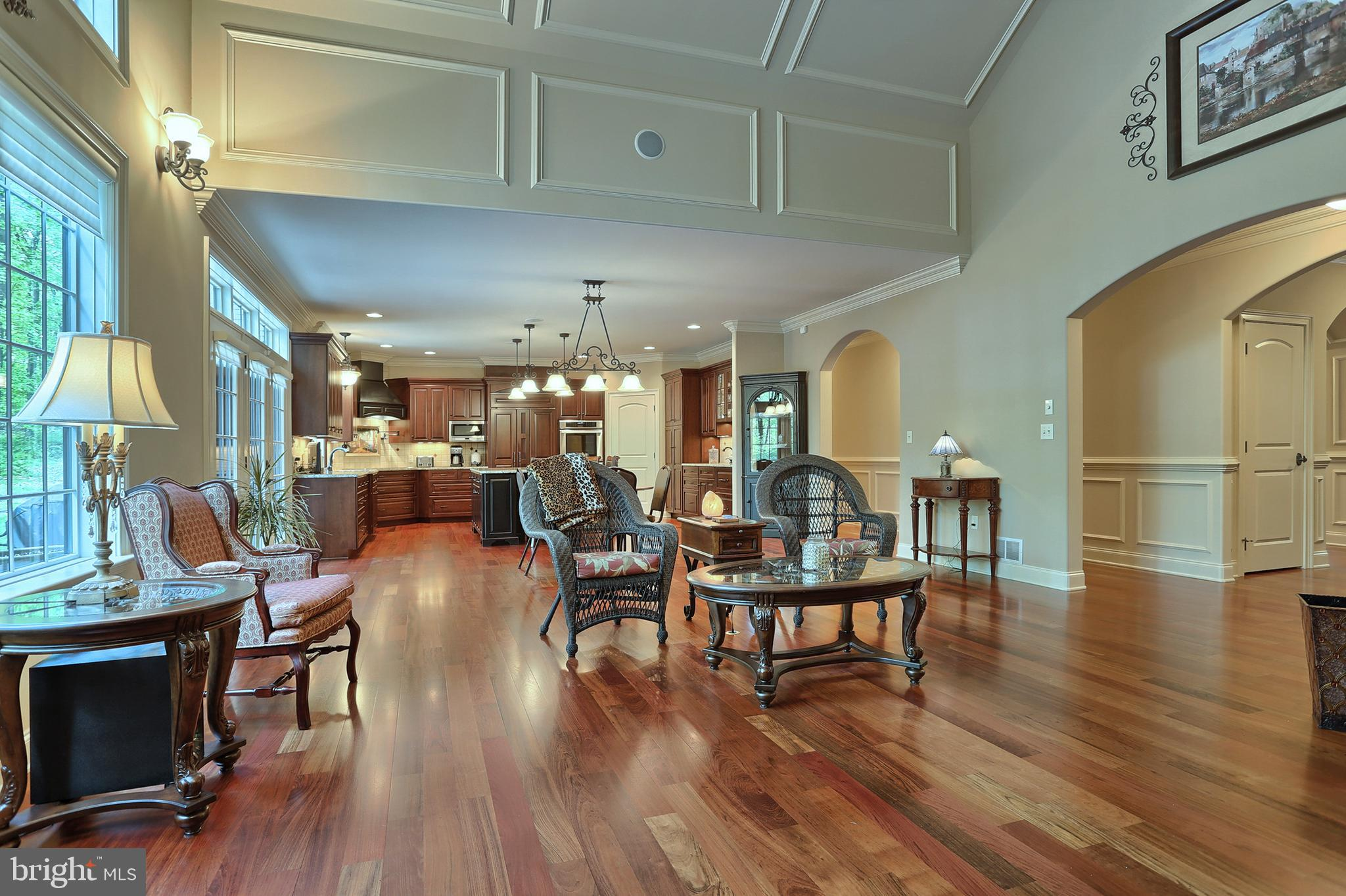 Amazing home! ~Over 3700 SF total,