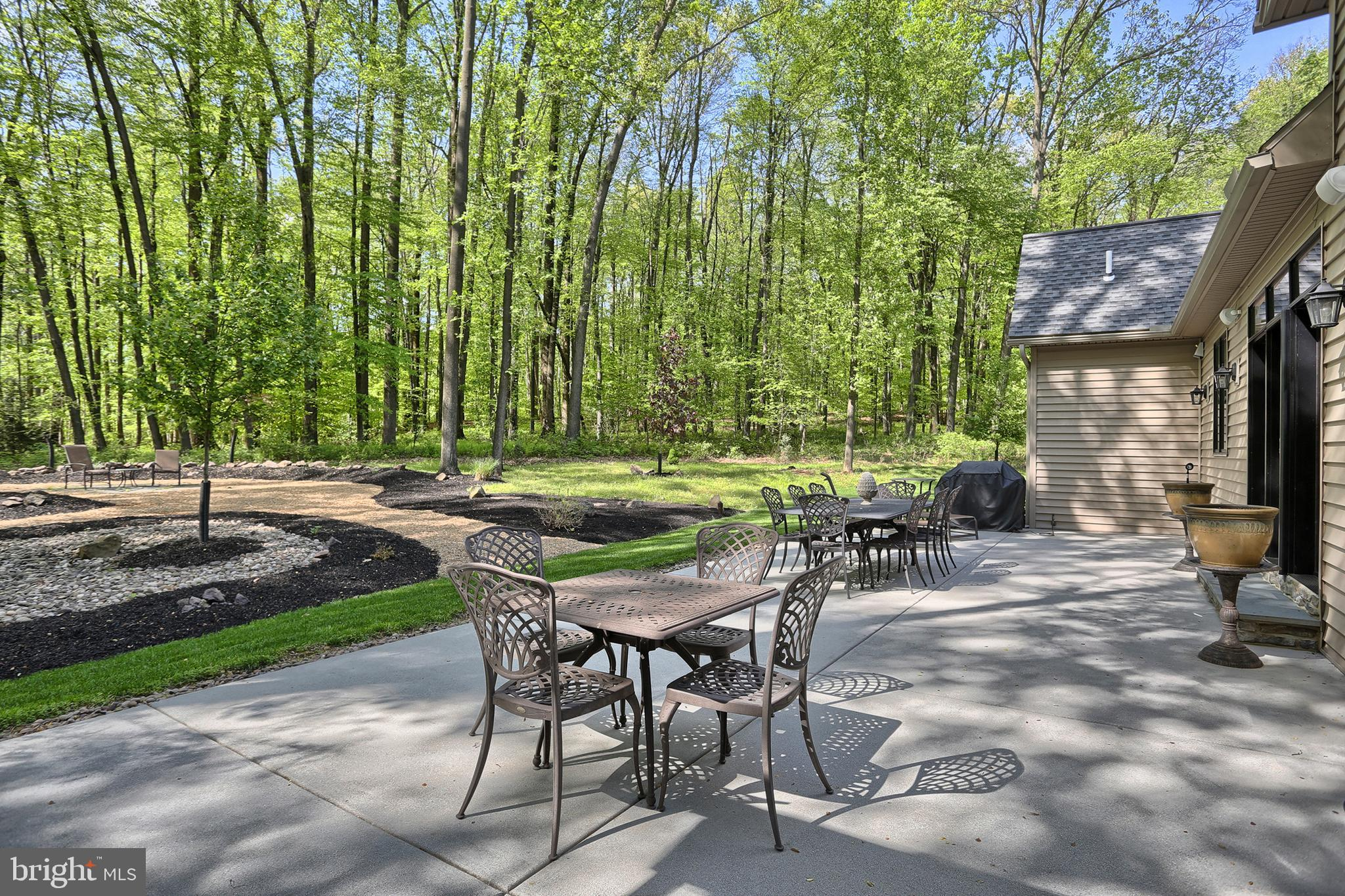 .Small community with 1+acre parcels near Hershey~
