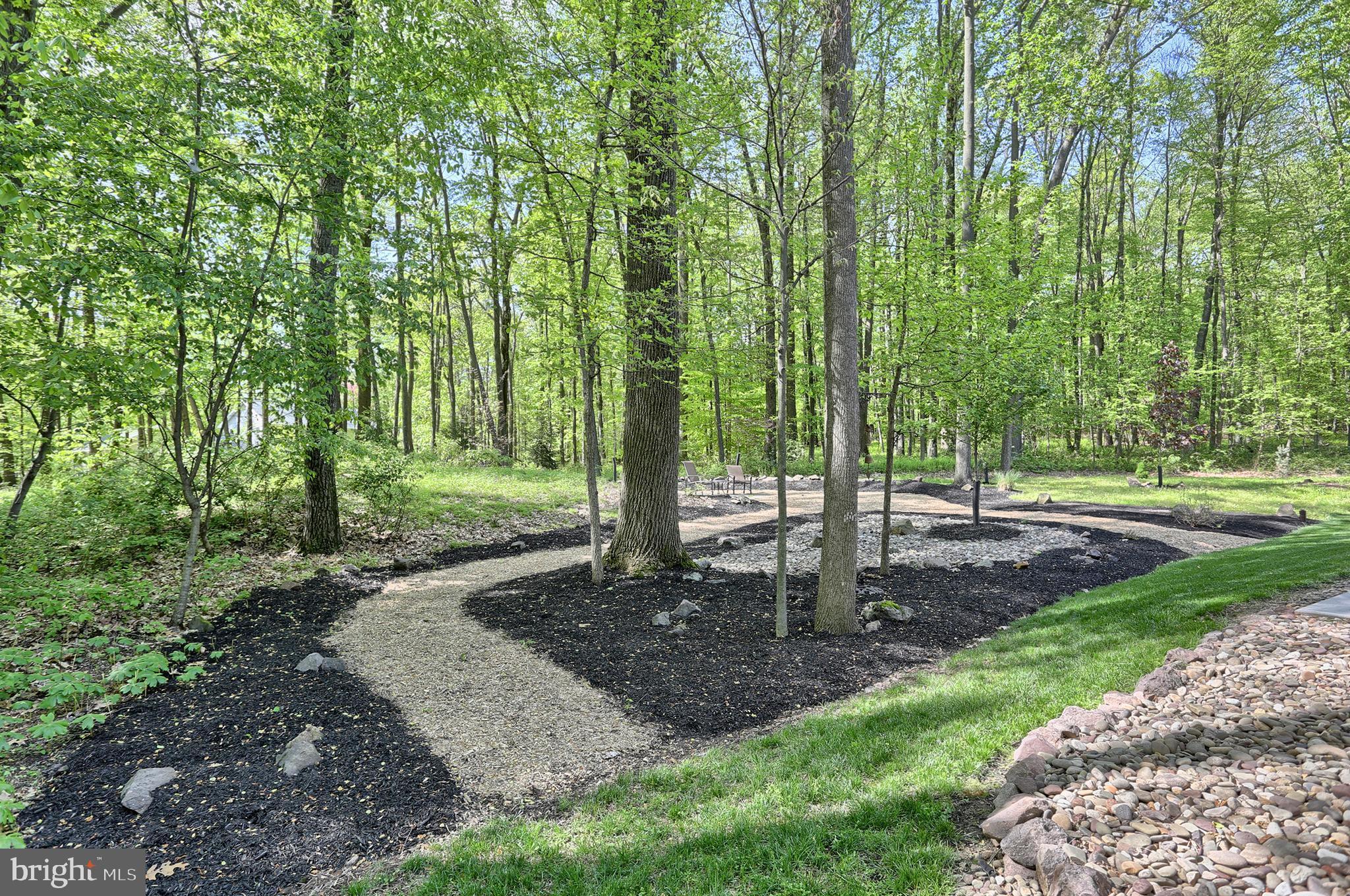 One acre wooded parcel