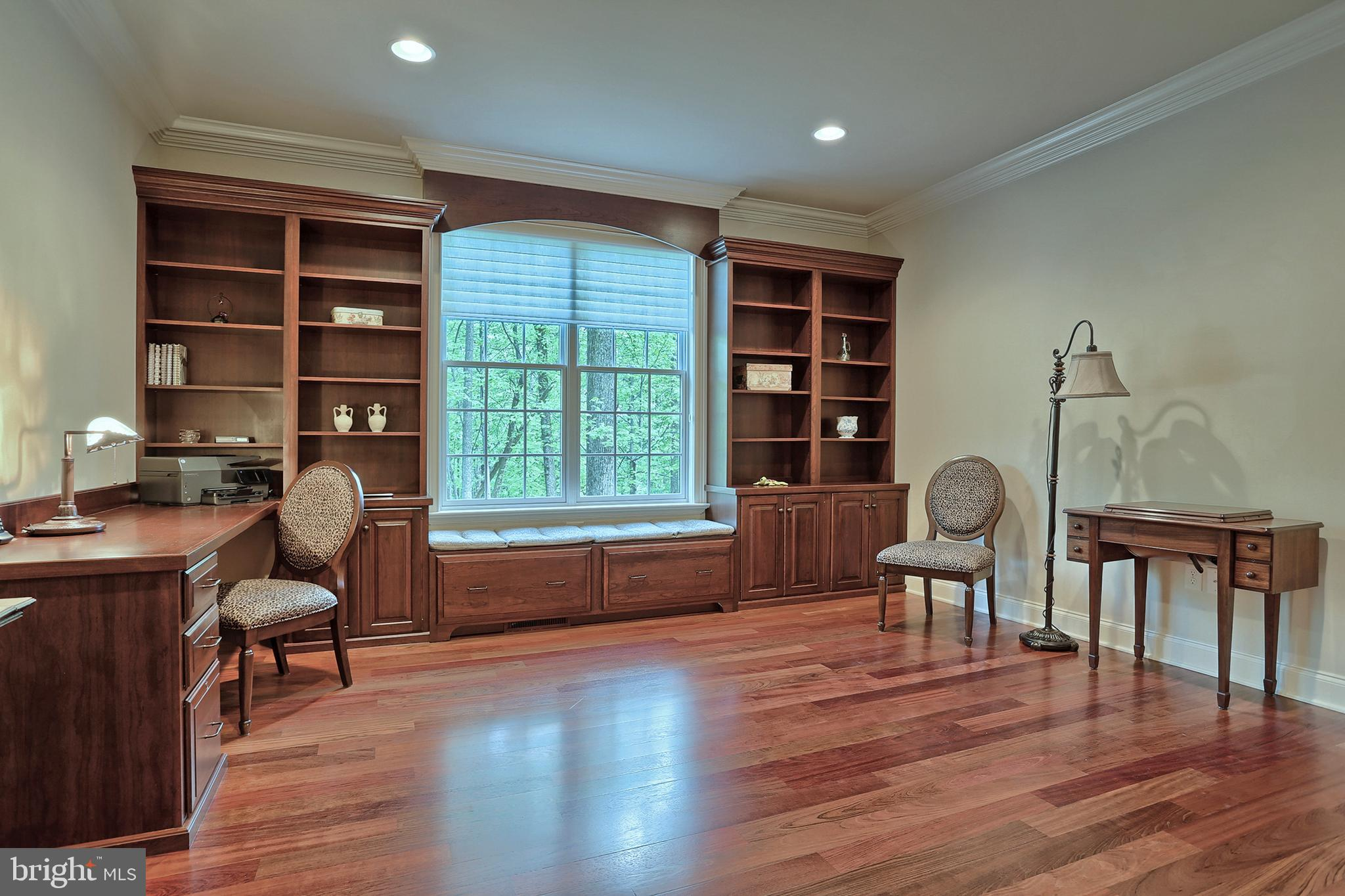 14x15 office or 2nd bedroom on main~
