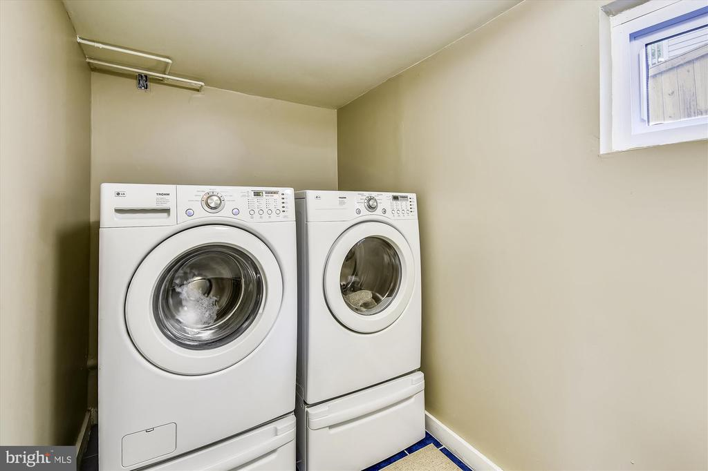 LL Laundry with Washer and Dryer, Front Load - 32 N FRENCH ST, ALEXANDRIA