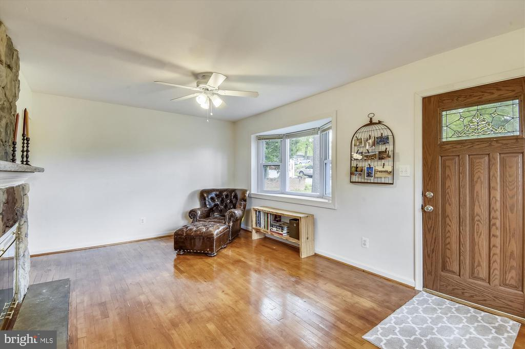 Beautiful  Original Hardwood Floors. - 32 N FRENCH ST, ALEXANDRIA