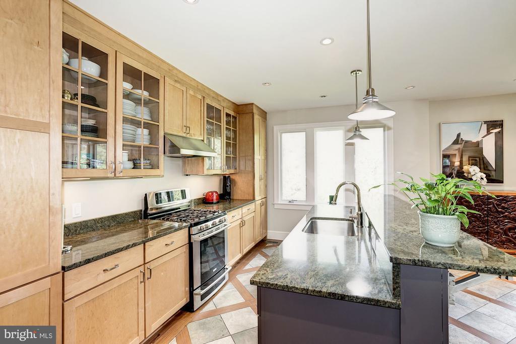 Kitchen - 4423 SPRINGDALE ST NW, WASHINGTON