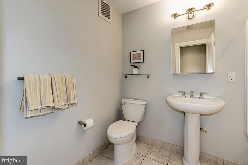 Full Bath - 4423 SPRINGDALE ST NW, WASHINGTON