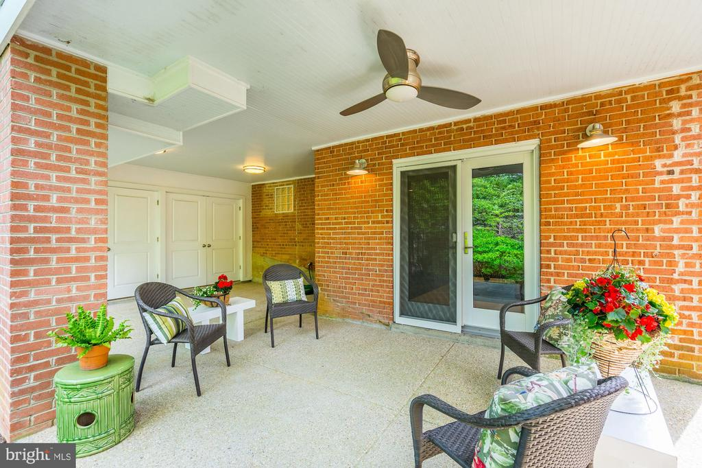 Rear porch area with large storage area - 4423 SPRINGDALE ST NW, WASHINGTON