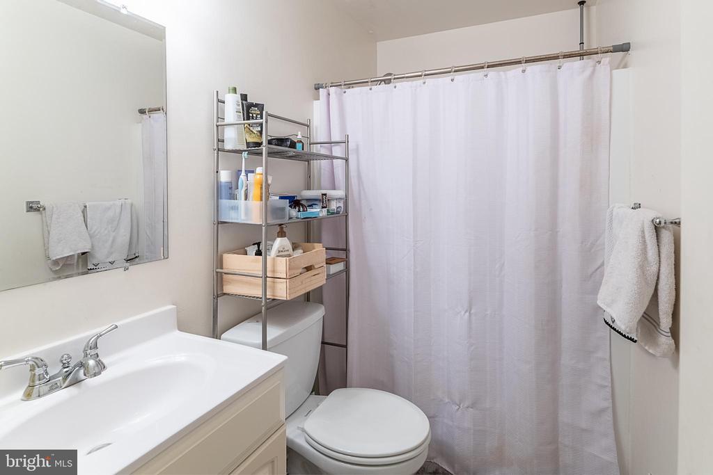 2nd Bathroom - 708 EDWARDS FERRY RD NE, LEESBURG