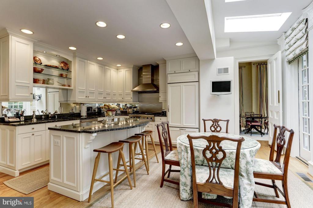 Kitchen - 3147 P ST NW, WASHINGTON