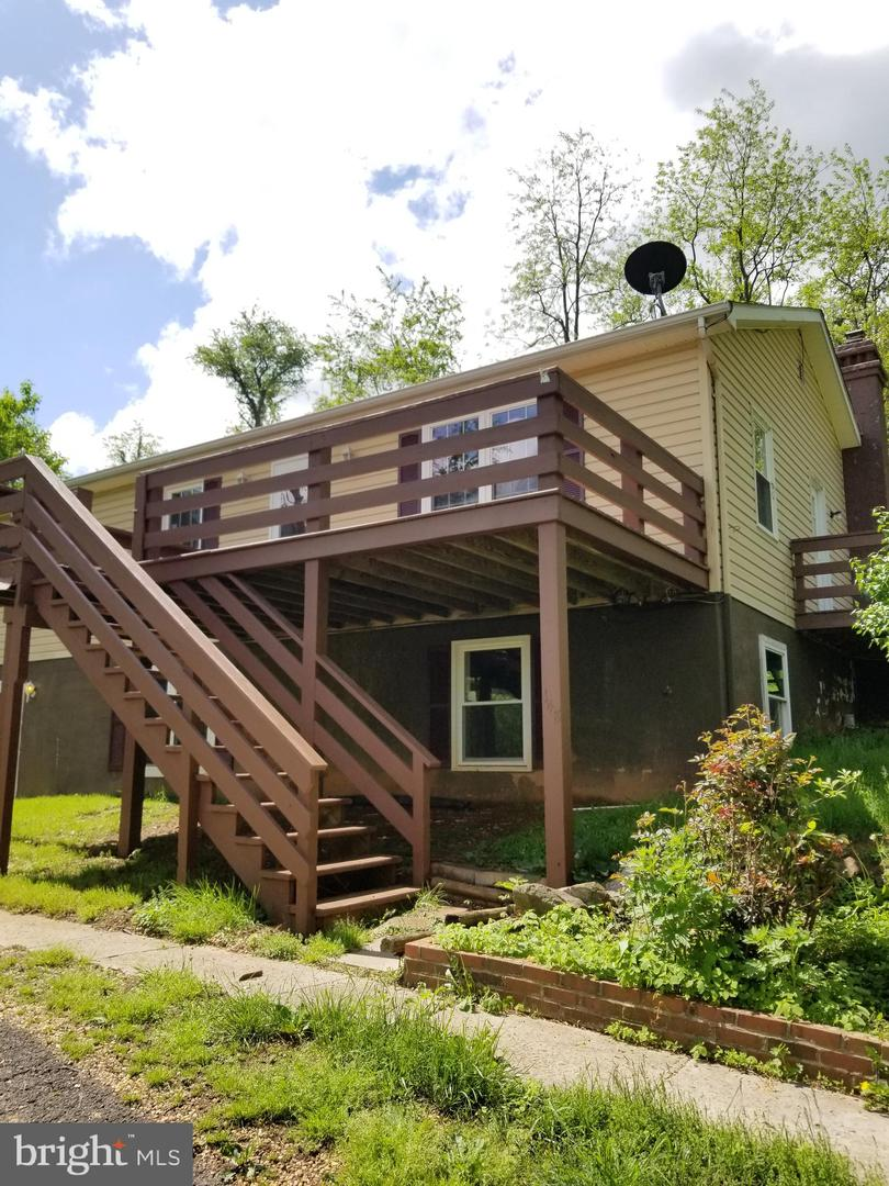Single Family for Sale at 148 Creek Rd Front Royal, Virginia 22630 United States