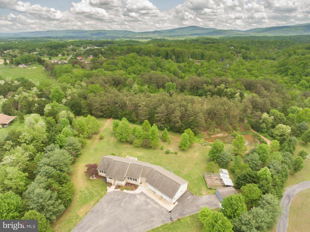 Gorgeous property -NO HOA - 87 LONESOME FLATS RD, FRONT ROYAL