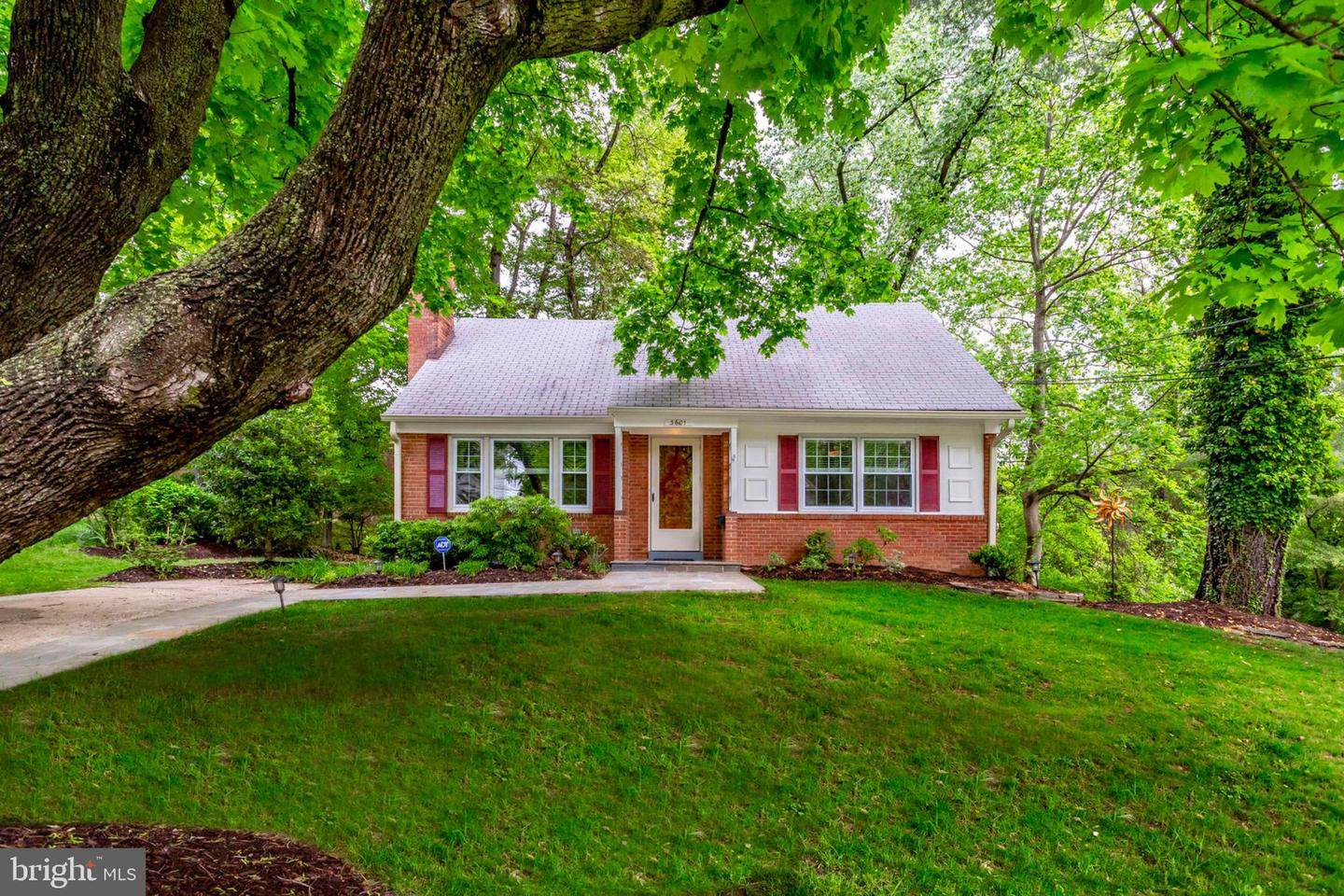 3601 FAIRCASTLE DRIVE, CHEVY CHASE, Maryland
