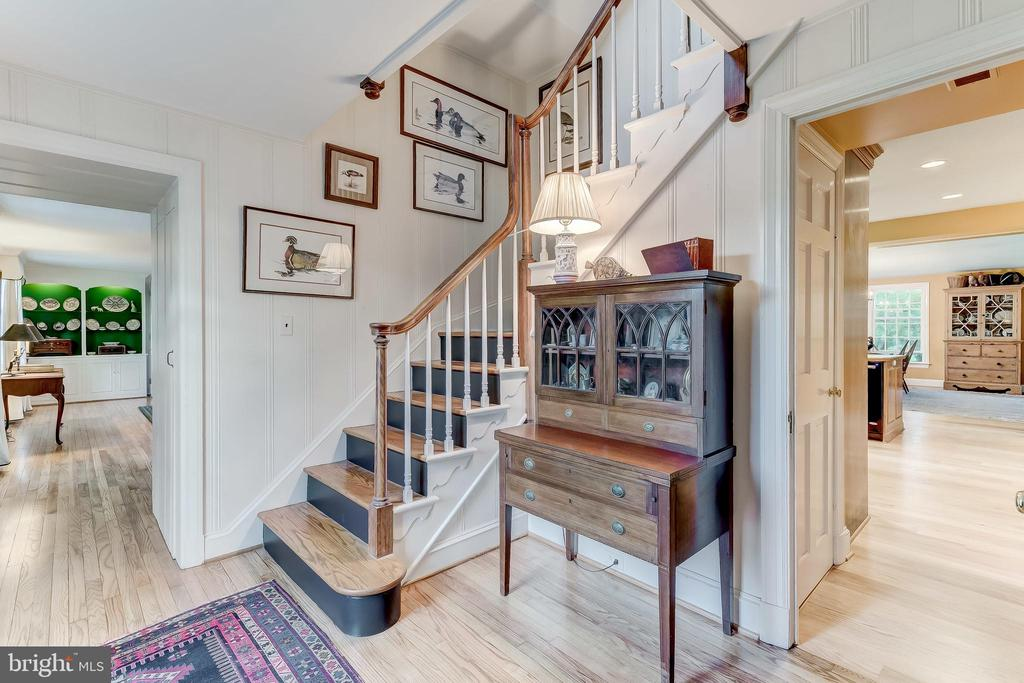 Entry Foyer - 12 CONISTON RD, TOWSON
