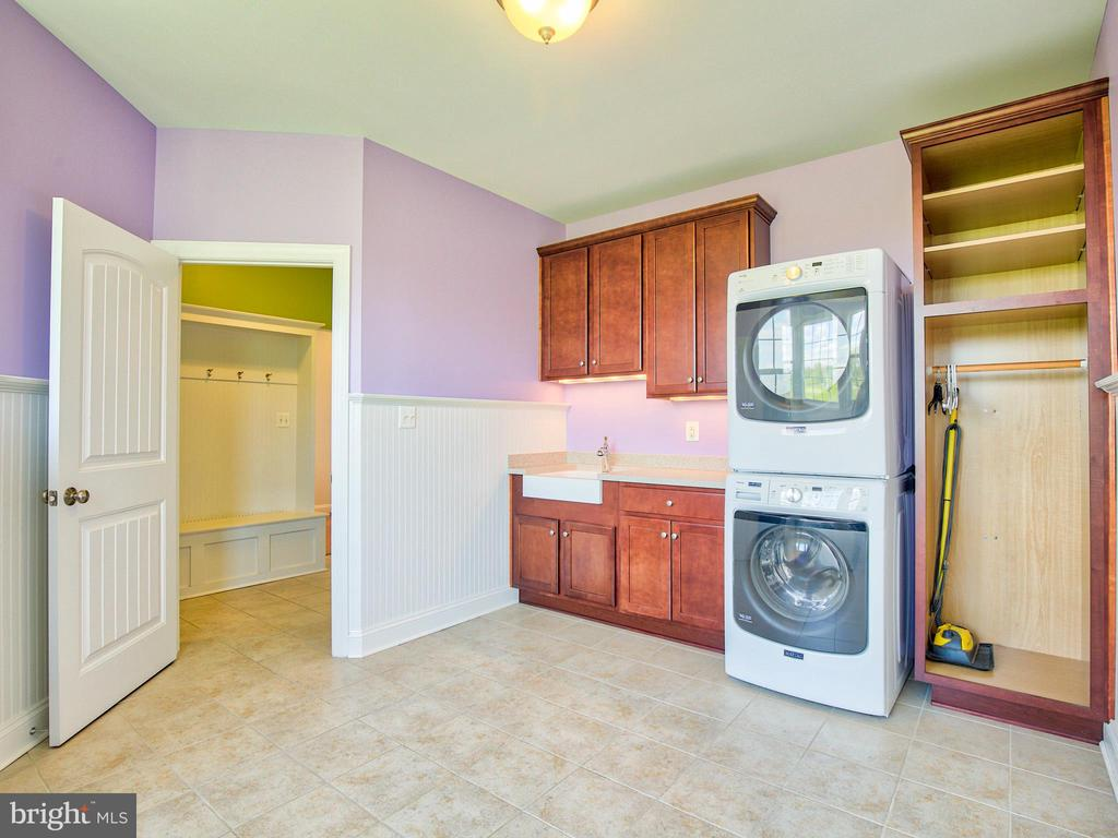 Laundry - 308 SAINT ANDREWS CT, WINCHESTER