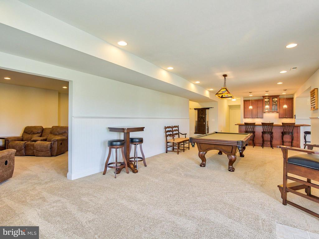 Billiard area - 308 SAINT ANDREWS CT, WINCHESTER