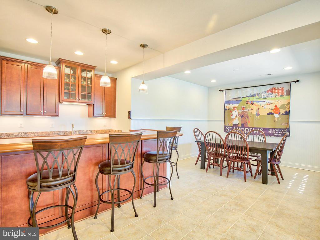 Basement bar and Dining Area - 308 SAINT ANDREWS CT, WINCHESTER