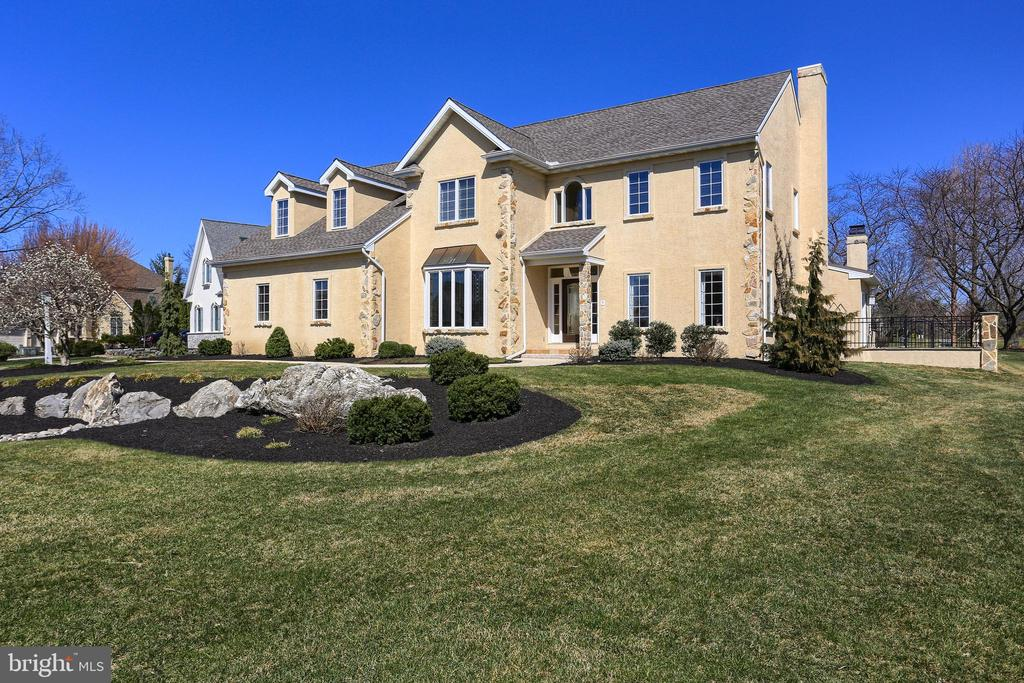 806  BENT CREEK DRIVE, one of homes for sale in Manheim Township