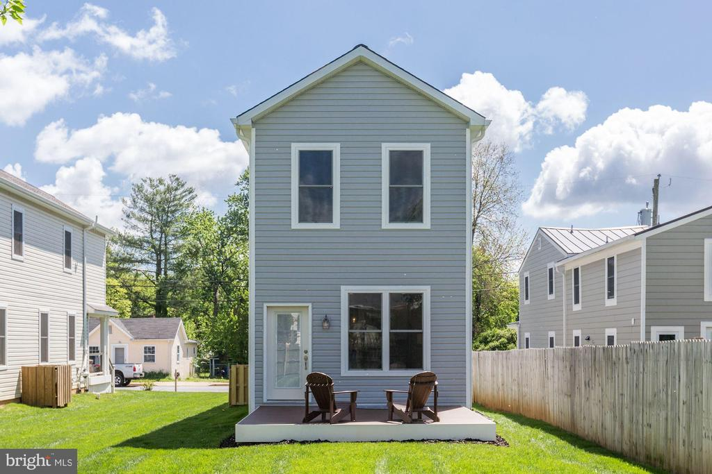Rear view - 109 WILSON AVE NW, LEESBURG