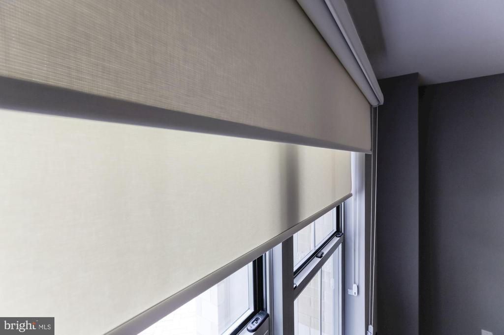 Shades & black out blinds - 11800 SUNSET HILLS RD #126, RESTON
