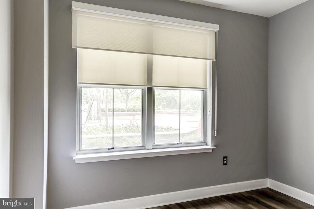 Master bedroom - with shades & black out blinds - 11800 SUNSET HILLS RD #126, RESTON