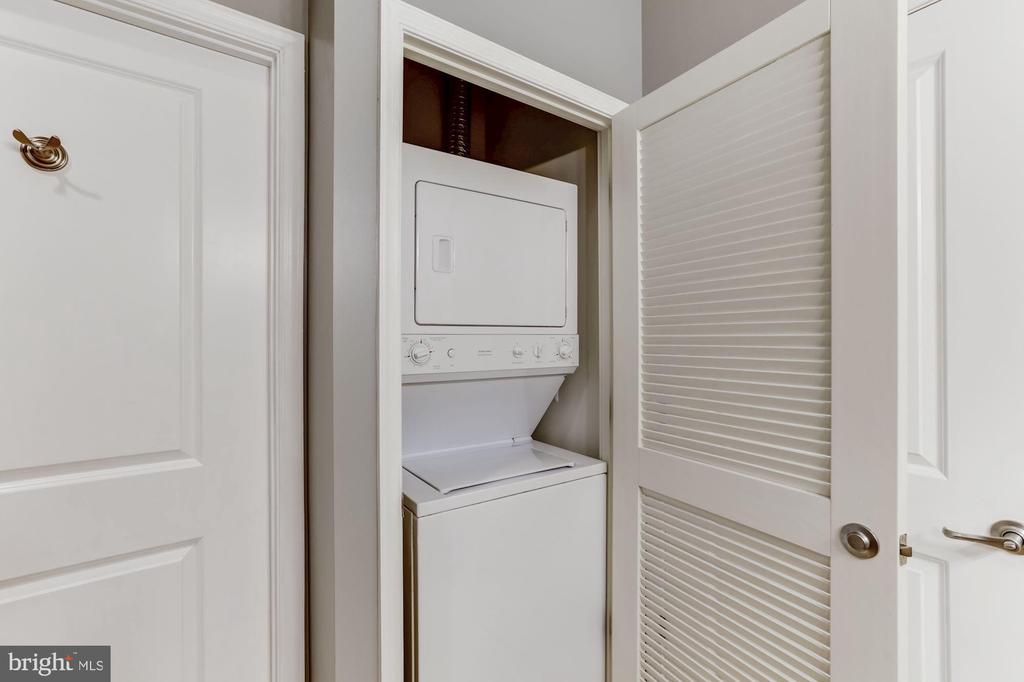 Laundry - 11800 SUNSET HILLS RD #126, RESTON