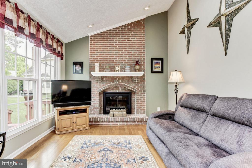 Brick Wood Burning Fireplace - 7814 MORNING GLEN LN, ALEXANDRIA