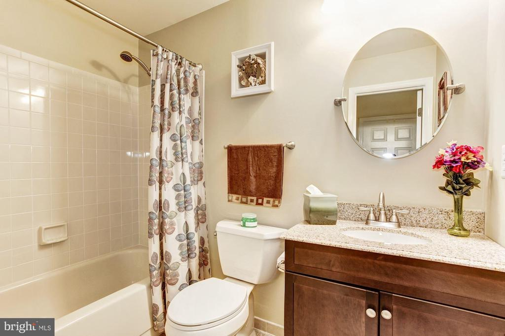 Full 3rd Full Bath Lower Level - 7814 MORNING GLEN LN, ALEXANDRIA