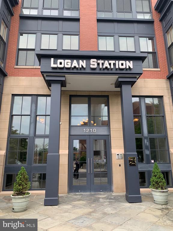 Main Entrance to Logan Station - 1210 NW R ST NW #313, WASHINGTON