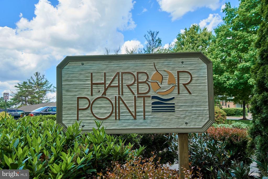 - 11180 HARBOR CT, RESTON