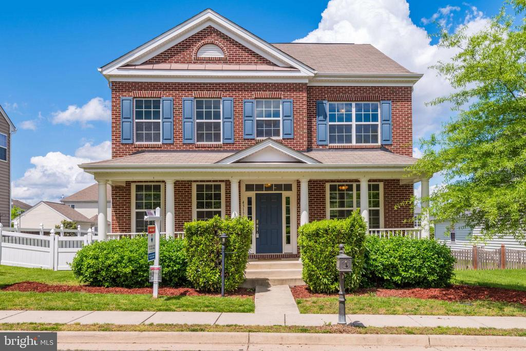 Welcome Home! - 43172 FLEUR DR, LEESBURG