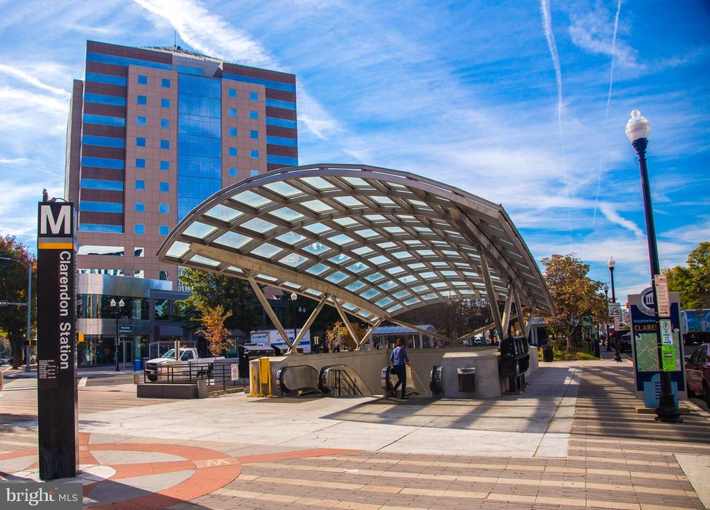 Community: Clarendon Metro Station (.4 mile) - 801 N JACKSON ST, ARLINGTON