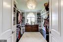 Walk in custom closet - 22883 CREIGHTON FARMS DR, LEESBURG
