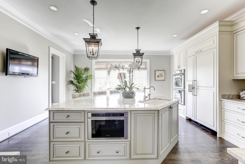 Gourmet kitchen - 22883 CREIGHTON FARMS DR, LEESBURG