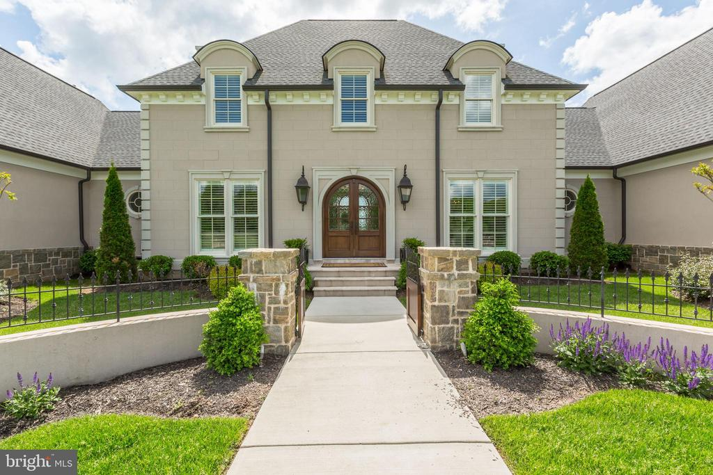 Gorgeous Entrance - 22883 CREIGHTON FARMS DR, LEESBURG