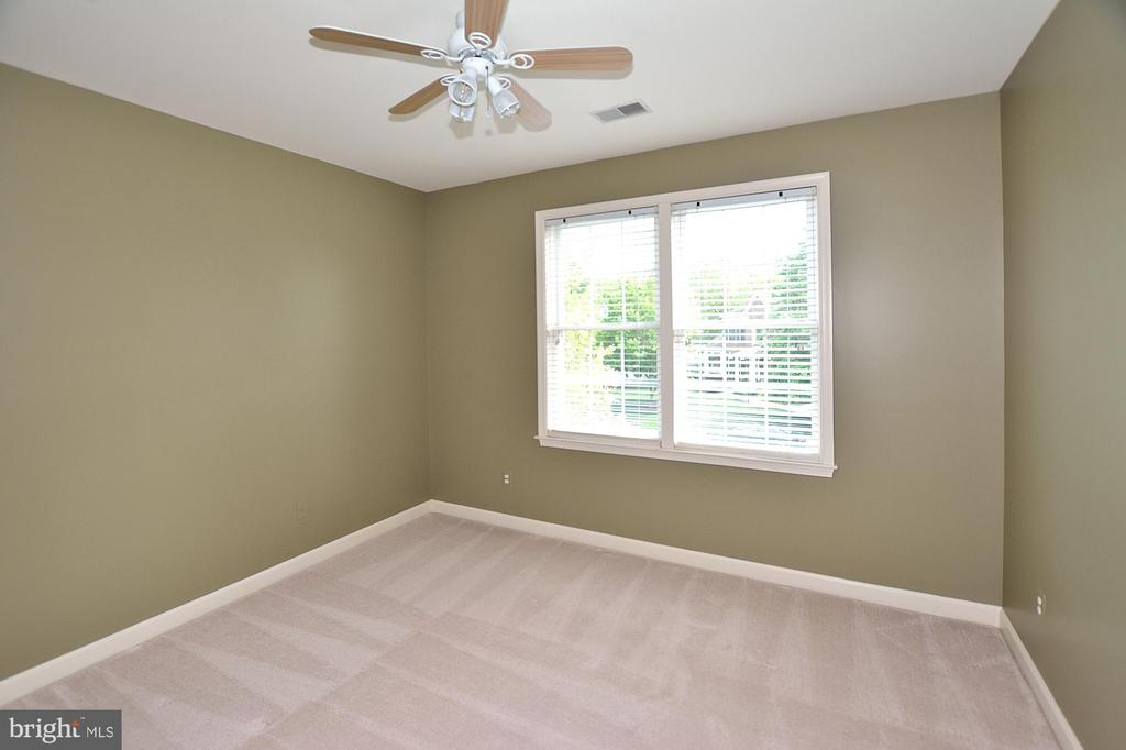 4TH BEDROOM - 47233 MIDDLE BLUFF PL, POTOMAC FALLS