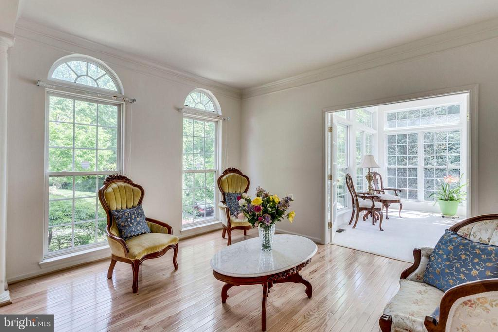 Formal living room /parlor - 3813 NALLS RD, ALEXANDRIA