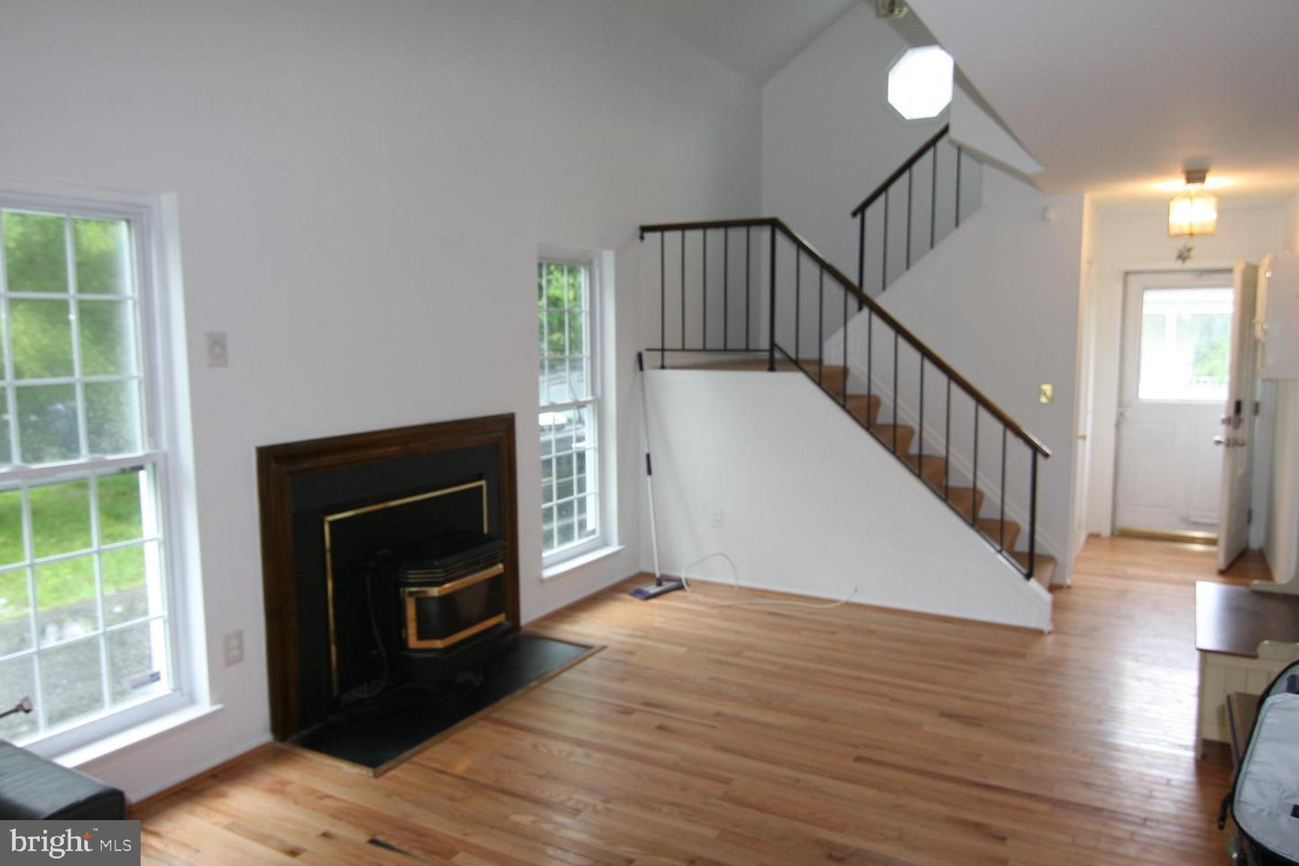 Additional photo for property listing at 3461-H Orchid Pl Waldorf, Maryland 20602 United States