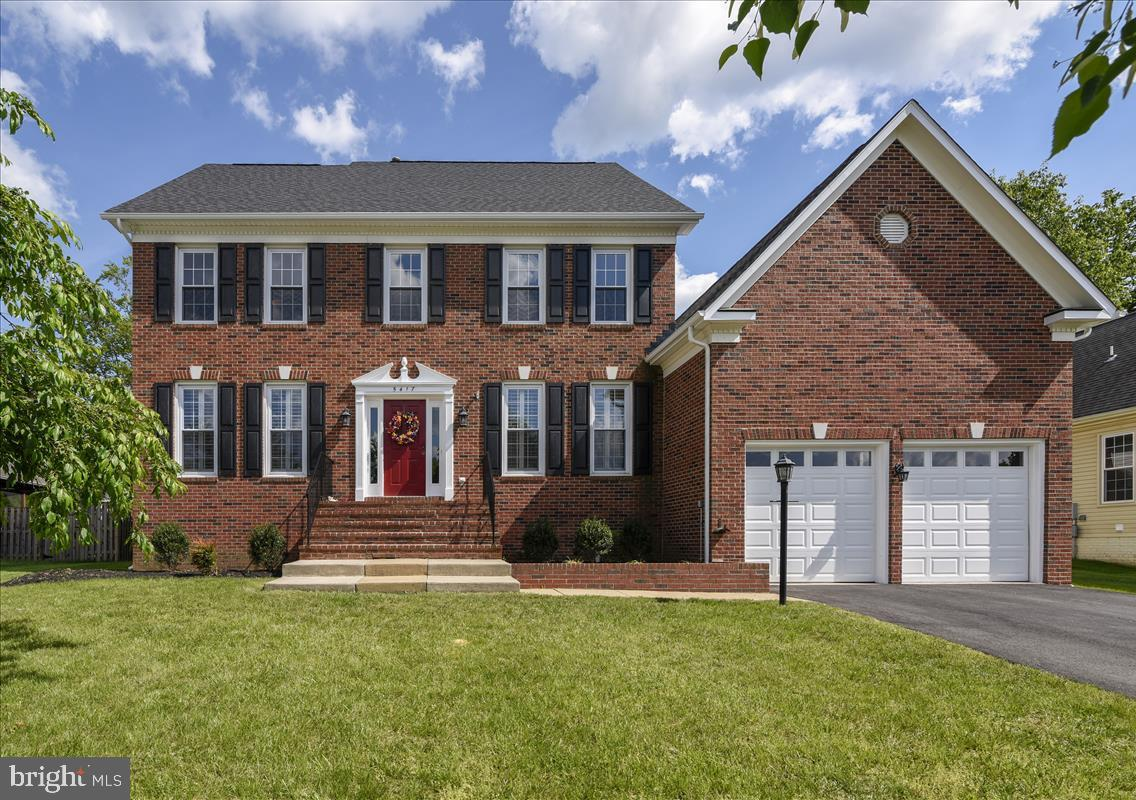 Single Family for Sale at 5417 Willow Valley Rd Clifton, Virginia 20124 United States