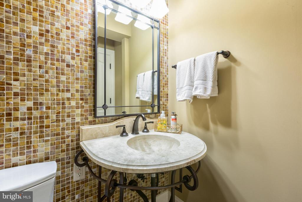Powder room off kitchen - 1820 MILVALE RD, ANNAPOLIS