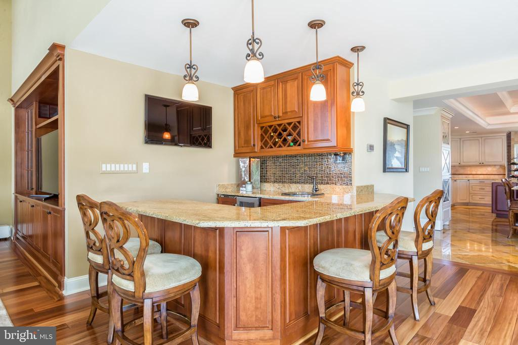 Built-in wet bar - 1820 MILVALE RD, ANNAPOLIS